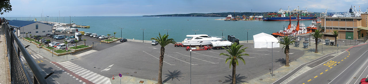 Panorama du Port de Koper. Crédit photo : Jean Caffou